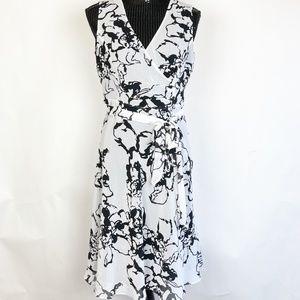 Jones New York Women Dress Size 4 Black White NWT